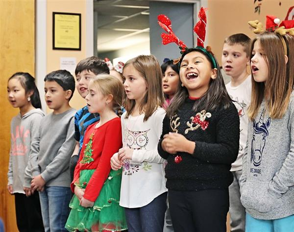 Third Graders Sing for Seniors at Country Club Court